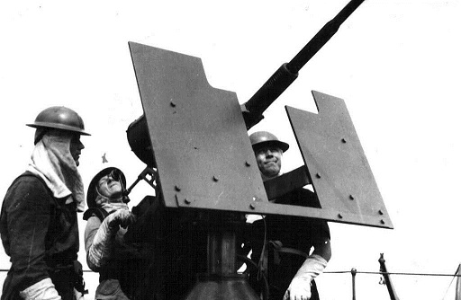 Original image of an Oerlikon gun and crew